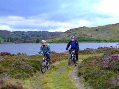 Cyclists at Loch Ordie