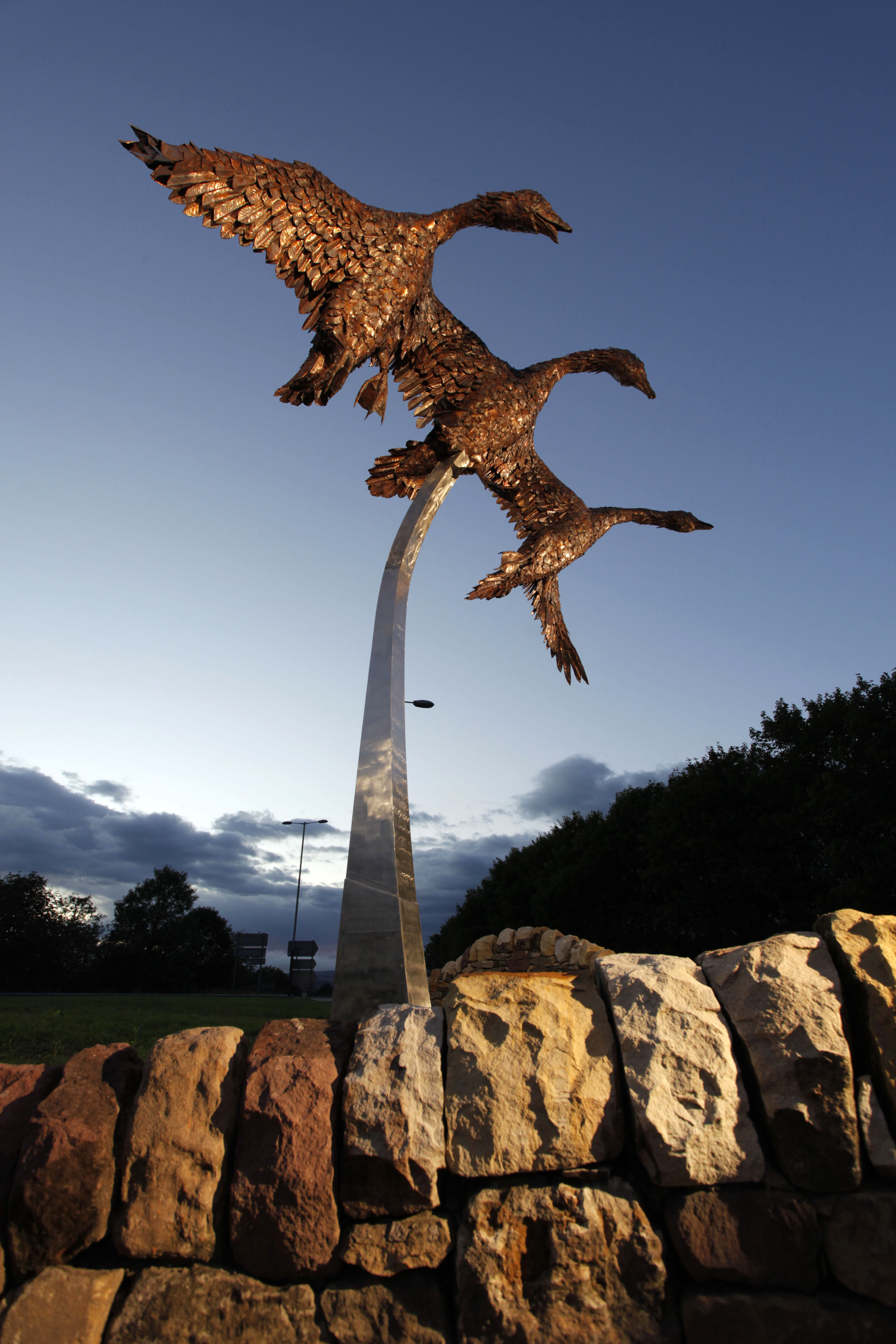 A sculpture of geese by local artist and craftsman David Wilson, reflecting the importance of the Loch Leven National Nature Reserve at Kinross, Perthshire © VisitScotland / Paul Tomkins, all rights reserved.