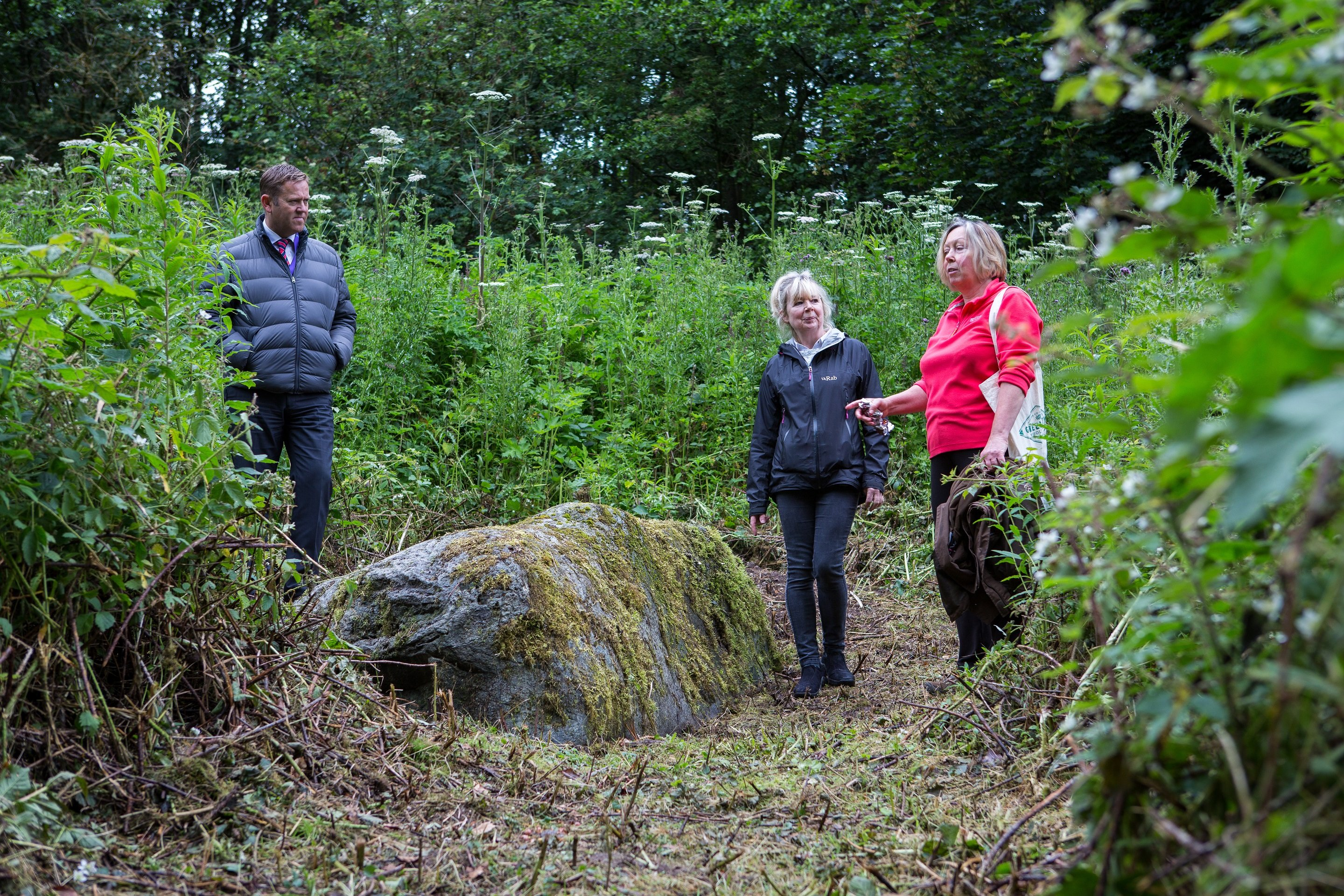Julia Howe and Jane Courtney, Auchterarder Core Paths Working Group, and Brian Cargill, PKC Traffic Services, at the Granny Stane just off the Provost Walk ©PKCT