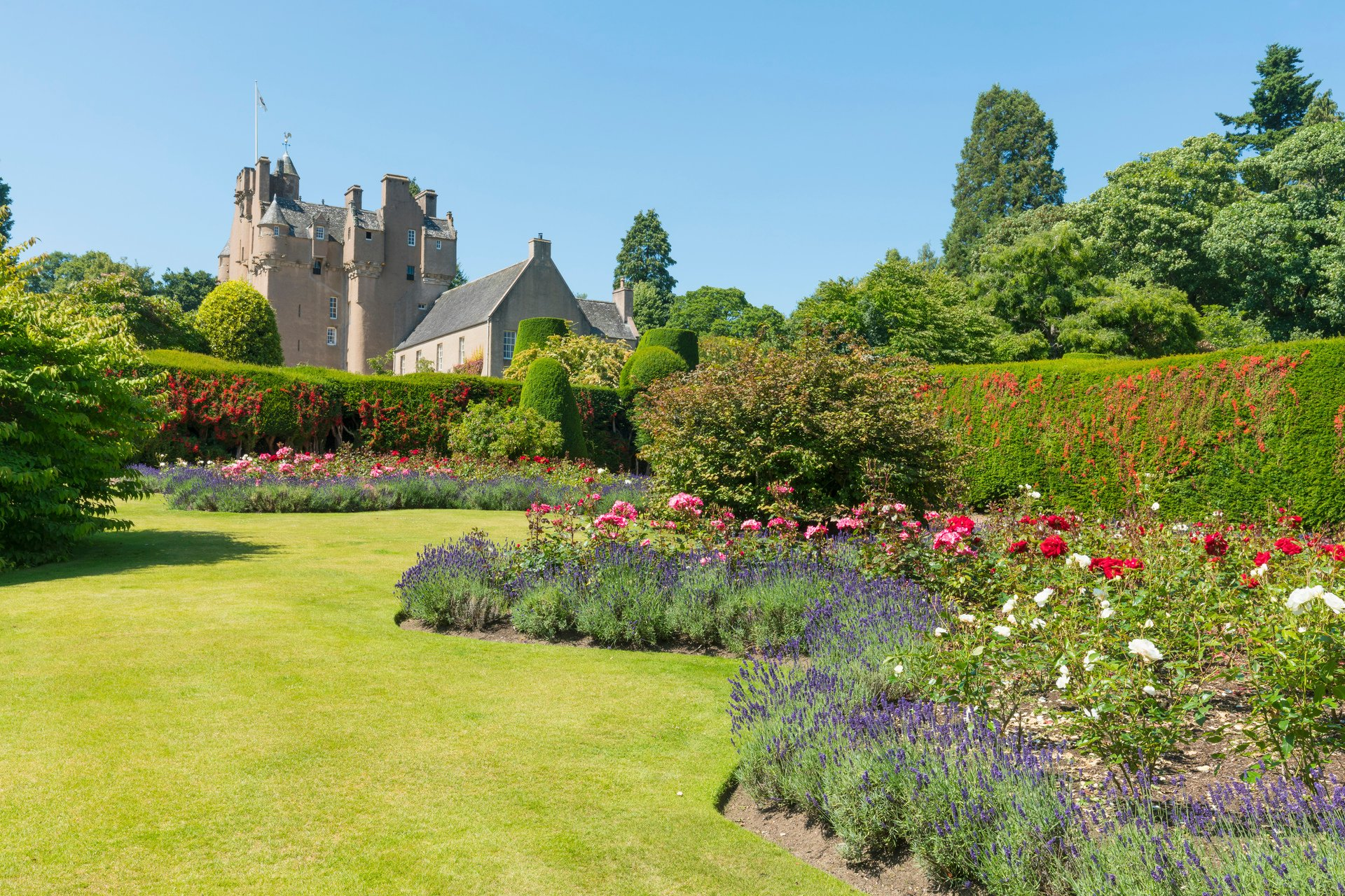 Crathes Castle © VisitScotland / Kenny Lam, all rights reserved