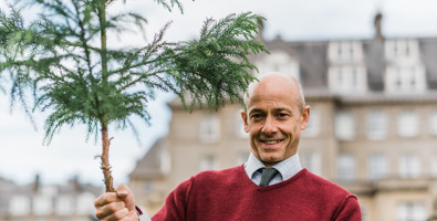 Doug gets to grips with PCCP's 1,000th tree presented to Gleneagles Hotel © photos by zoe