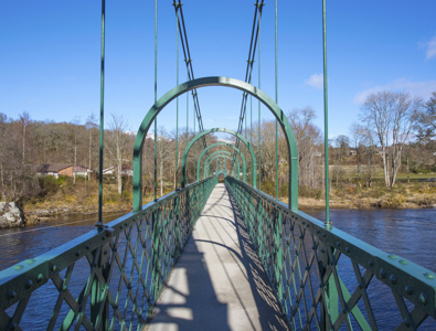 Port-Na-Craig Suspension Bridge, Pitlochry © VisitScotland  Kenny Lam, all rights reserved